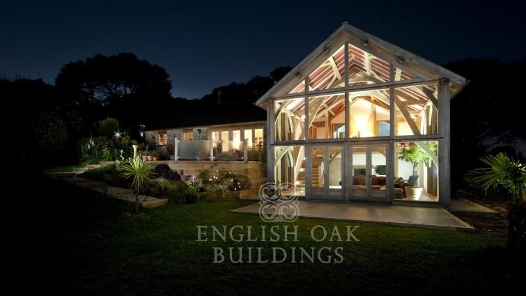 English Oak Frames – Keeping Your Energy Bills Low In Winter