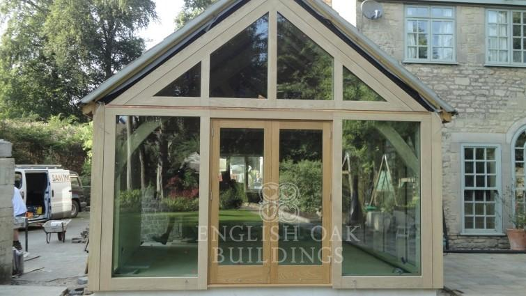 Oak extension with glass