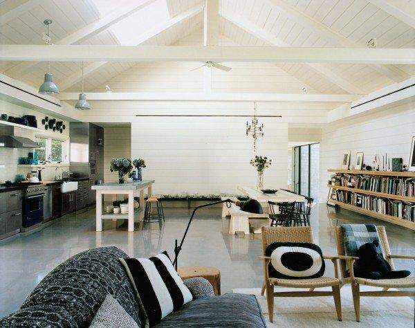 a-lovely-barn-house-05-600x474