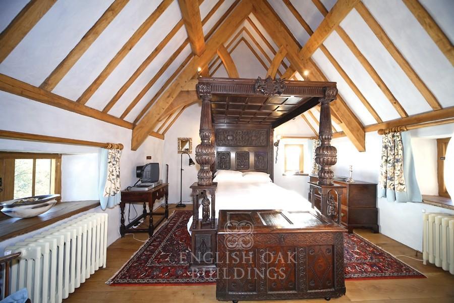 oak-frame-house-roof-archbrace-truss