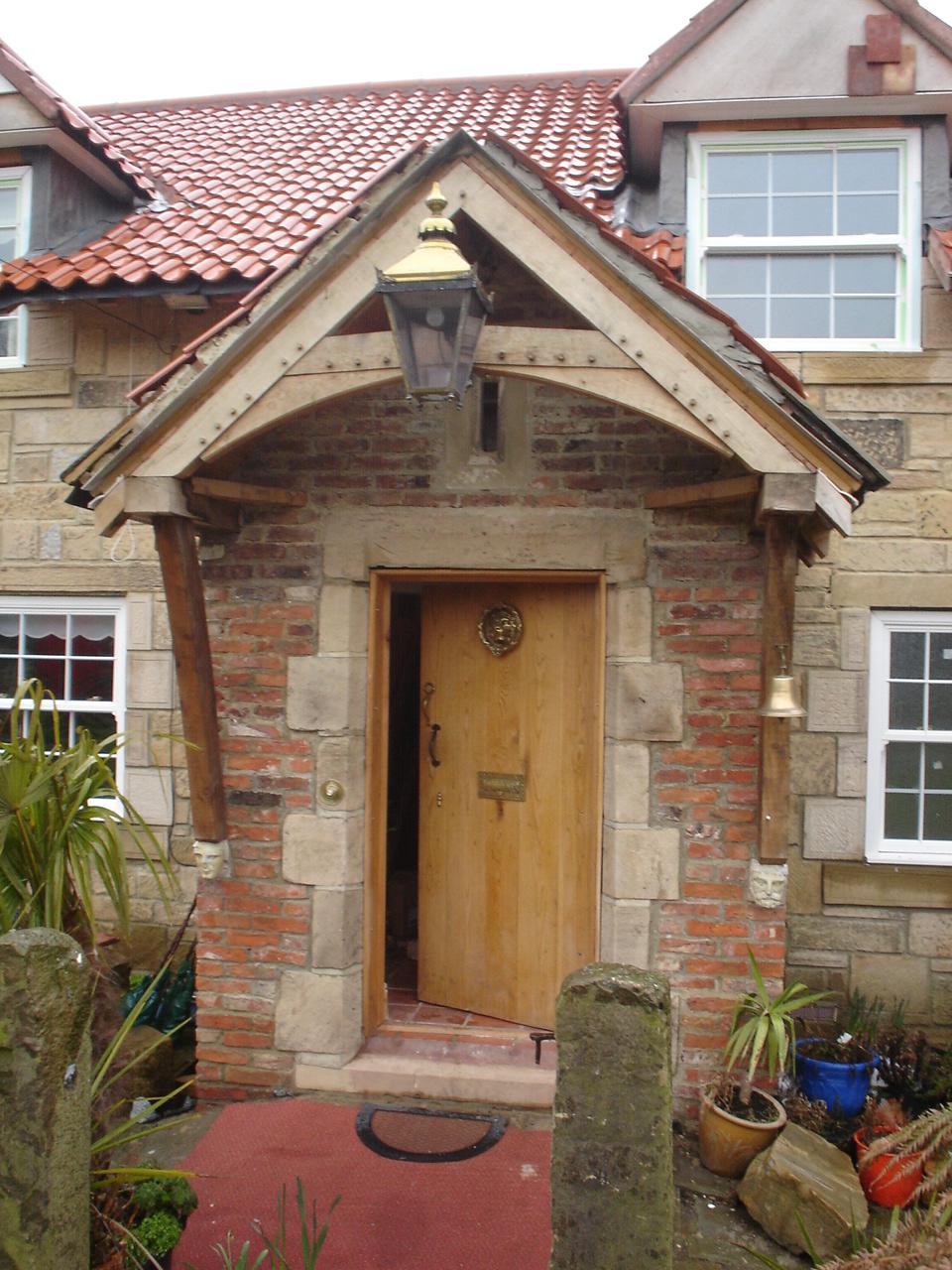 oak frame porch - arch braces - Newcastle