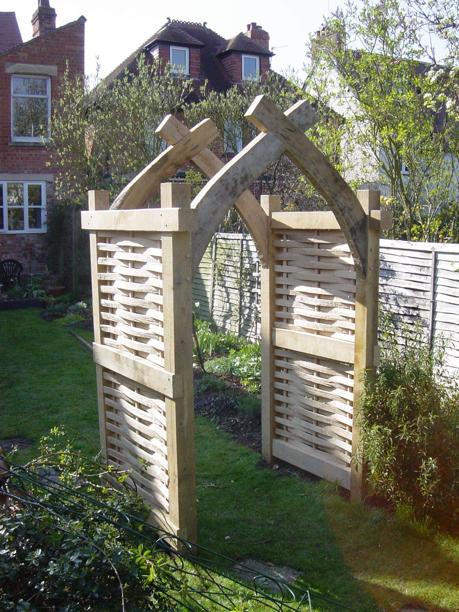 garden arch - Russell